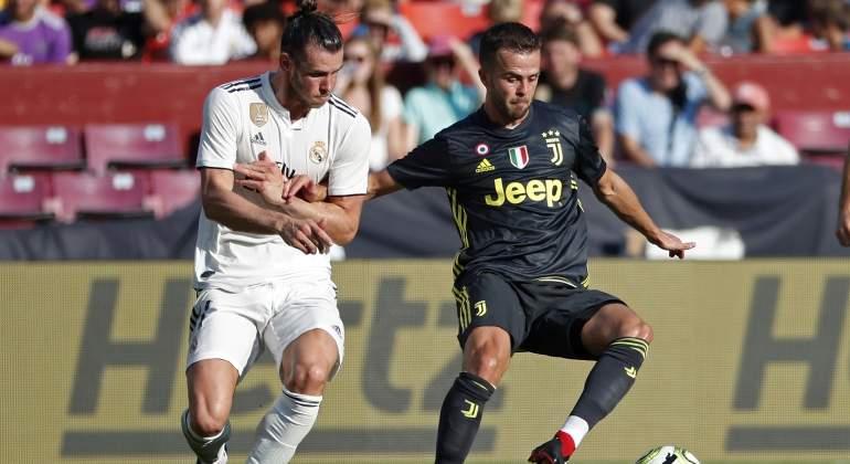 4c8a8fab68e87 La Juventus rechaza una oferta del Real Madrid por Miralem Pjanic y crece  la opción Fede Valverde