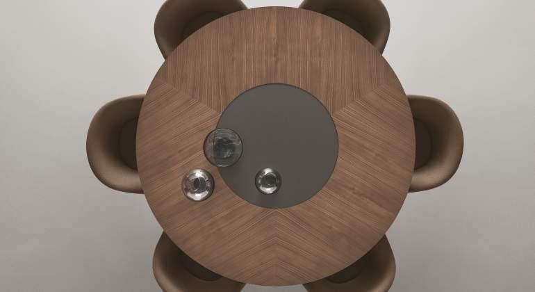 Mesa madera de Rimadesio, Salone del Mobile de Milano.