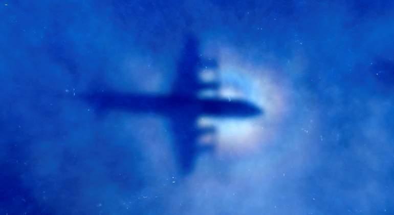 avion-silueta-mar-reuters.jpg