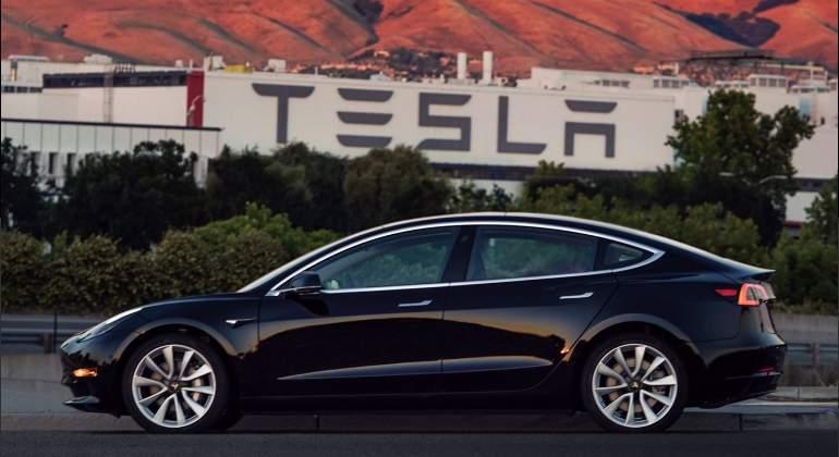 Tesla: se filtra supuesta imagen de camión eléctrico que saldrá en octubre