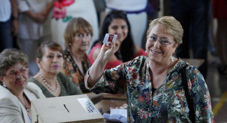 Tras emitir su voto, Bachelet anticipa resultado