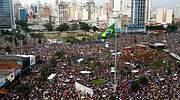 Protestas en Brasil por la reanudación de las clases presenciales en plena pandemia de coronavirus