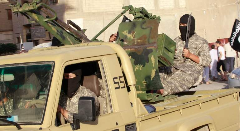 estado-islamico-combatiente-cuchillo-reuters.jpg