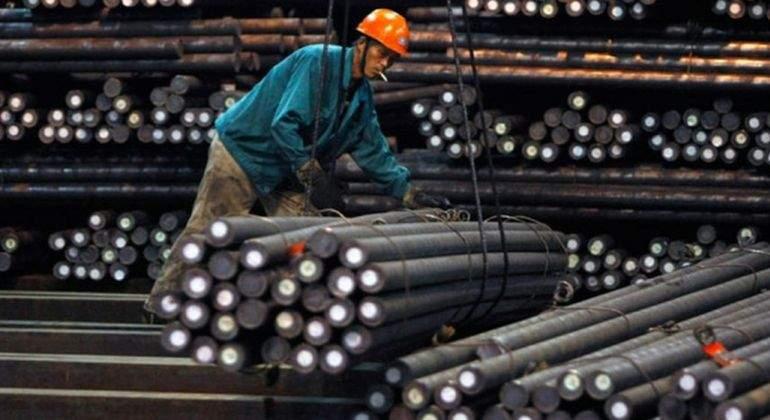 Aluar acuerda con el gobierno bajar 14 el precio del for Cotizacion aluminio argentina