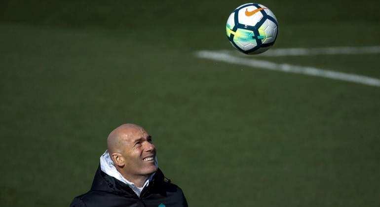 Zidane resolverá su futuro antes de mayo