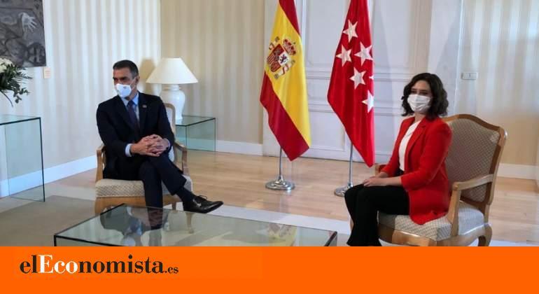 El Gobierno podría ordenar el cierre de Madrid en el Consejo de Ministros si Ayuso no endurece sus medidas contra el virus.