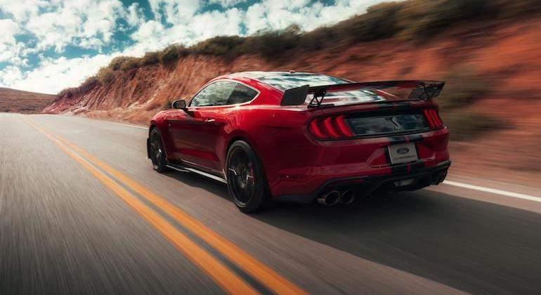 Shelby Gt500 El Ford Mustang Mas Potente De La Historia Tiene 700 Cv Y Es El Rey De Las Drag Race Ecomotor Es