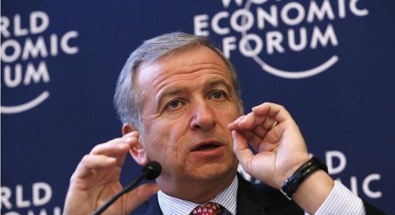 Felipe Larraín anuncia simplificación tributaria y confirma ajuste presupuestario