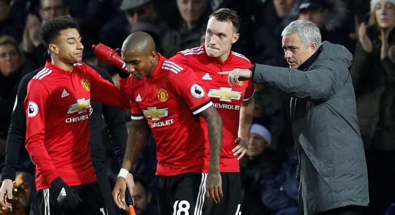 mourinho-instrucciones-united-17dic-reuters.jpg