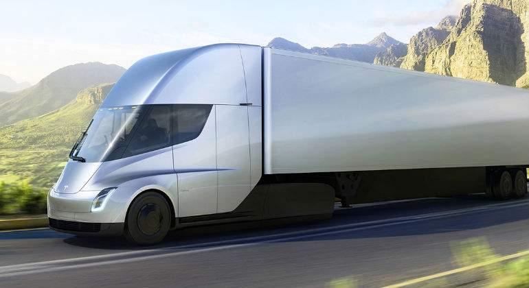 Tesla ya tiene compradores para su camión: WalMart encarga 10 Tesla Semi