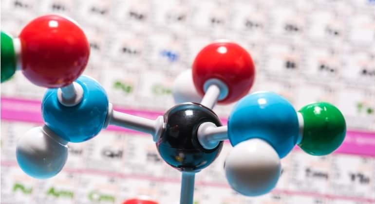 Un cientfico sugiere que la tabla peridica podra haber llegado a tabla periodica dreamstimeg urtaz Images
