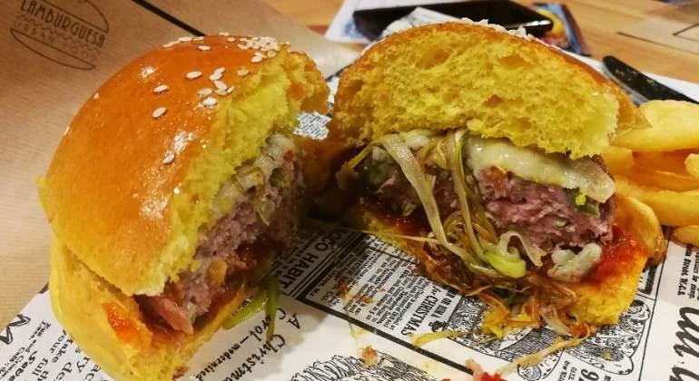 Un restaurante valenciano crea la primera 'hamburguesa fallera'