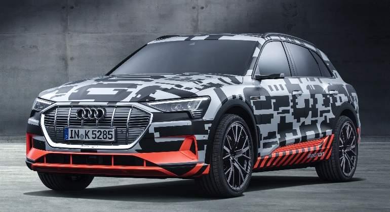 Audi-e-tron-Prototype-2017-01.jpg