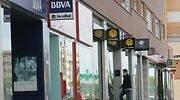 La banca eleva un 7% los depósitos de las empresas pese a que los cobra