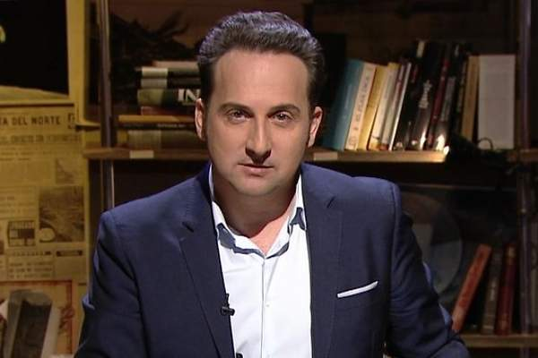 Iker jim nez saca pecho de los ex menes de audiencia de for Cuarto milenio horario