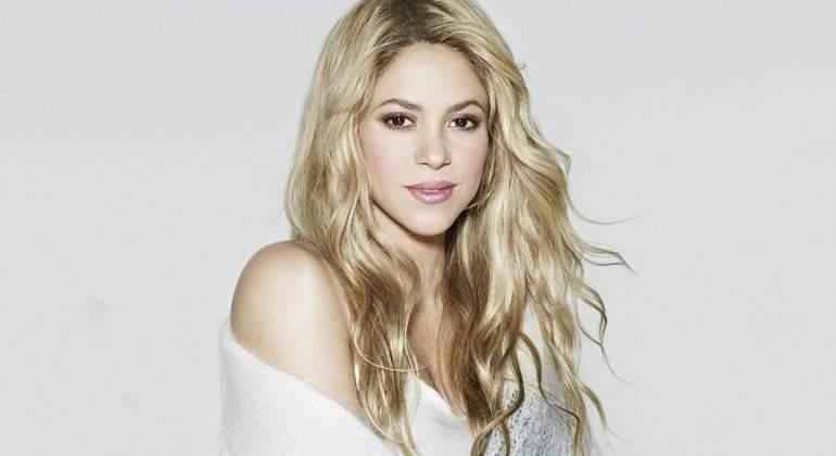 Shakira se niega a operarse las cuerdas vocales