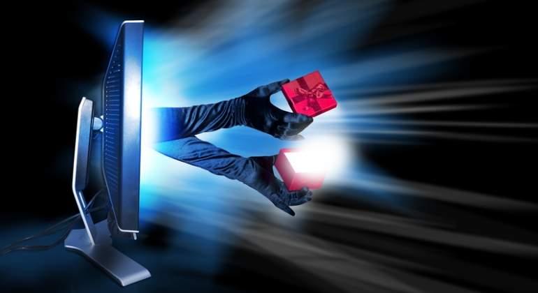 hacking-ordenador-regalo-dreamstime.jpg
