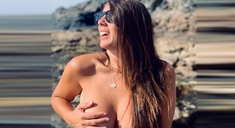 Anabel Pantoja Celebra Con Un Desnudo Integral En La Cama Sus