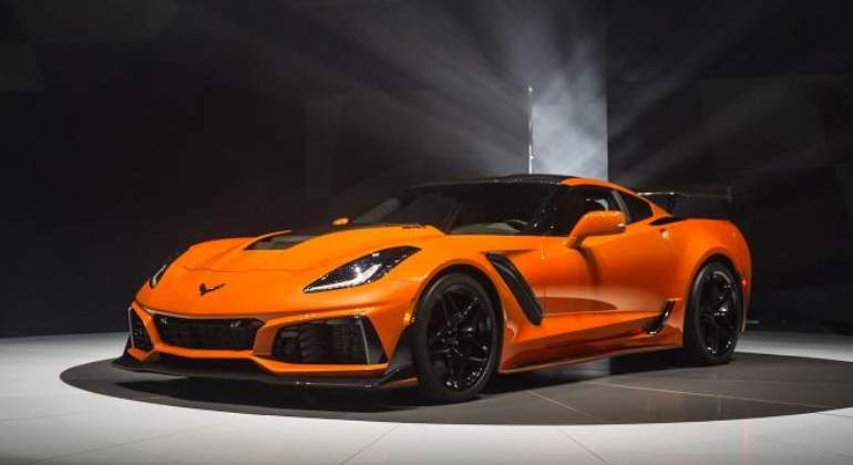Chevrolet-Corvette-ZR1-2019-01.jpg