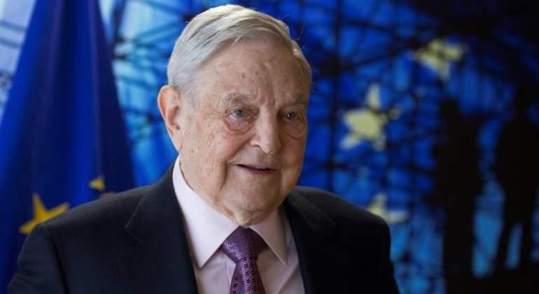 Soros acusa a Facebook  de cooperar con Donald Trump