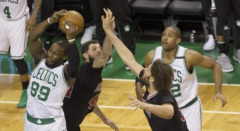 Mirotic-Bulls-Celtics-play-off-NBA-2017-efe.jpg