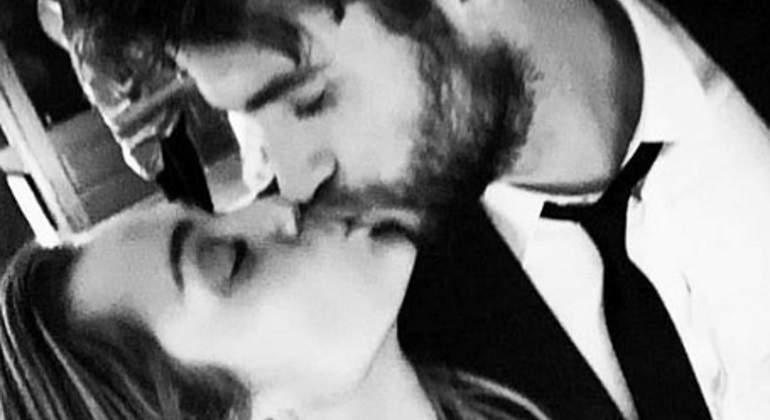 Miley-Liam-boda-beso-ig-770.jpg