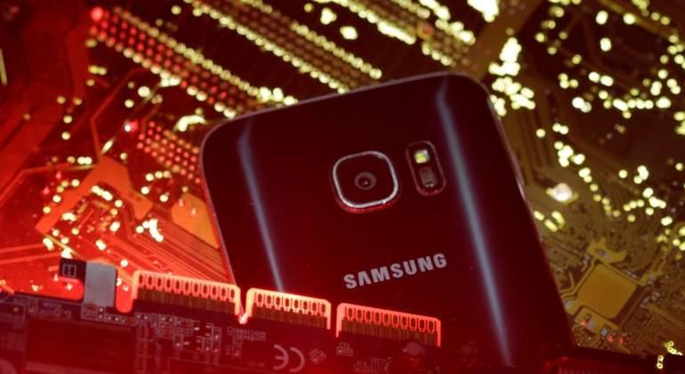 Samsung pronostica un caída de su beneficio del 29% por el freno de su división de chips
