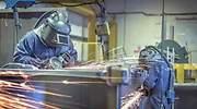 trabajadores-fabrica-calarios.jpg