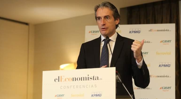 Renfe lanzará en diciembre una prueba piloto de tren con GNL en Asturias
