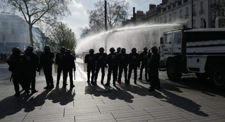 La Policía francesa evacua el Monte de Saint-Michel