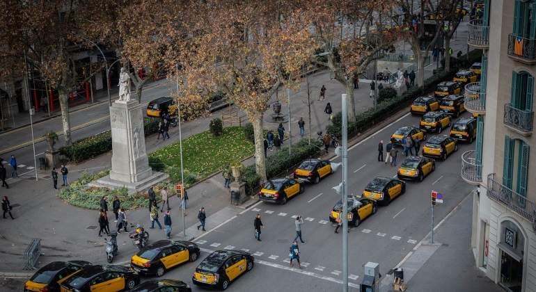 Huelga de taxis:  el Govern propone ampliar el tiempo de precontratación