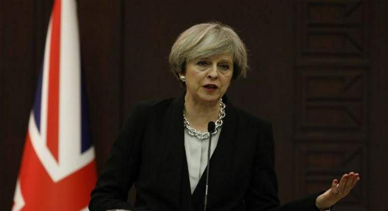 theresa-may-bandera-reuters.jpg
