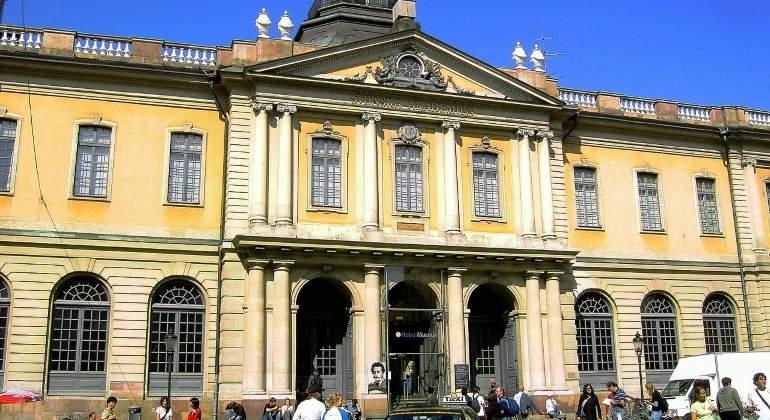 academia-sueca-fachada-wikipedia.jpg