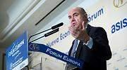 Guindos admite que la política del BCE frena las fusiones bancarias