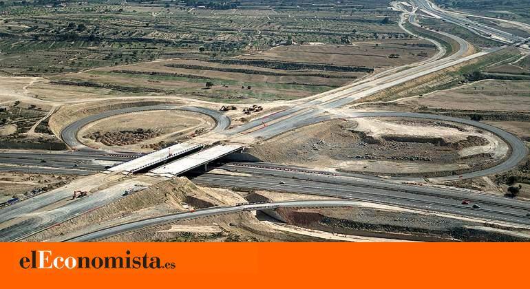 CONSTRUCCIÓN EN ESPAÑA ENERO'18 cover image