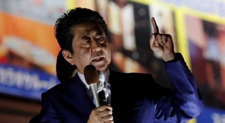 Amplia victoria del primer ministro Abe en elecciones legislativas — Japón