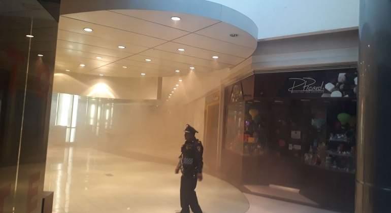 Desalojan Centro Coyoacán por incendio