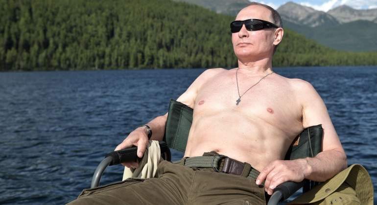 putin-rusia-sin-camiseta.jpg