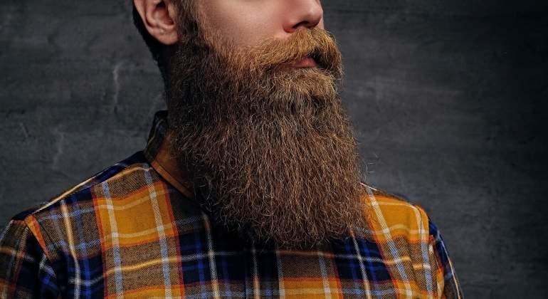 Barba, mascotas y más rasgos que potencian el atractivo
