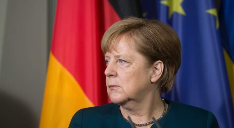 merkel-banderas-alemania-ue.jpg