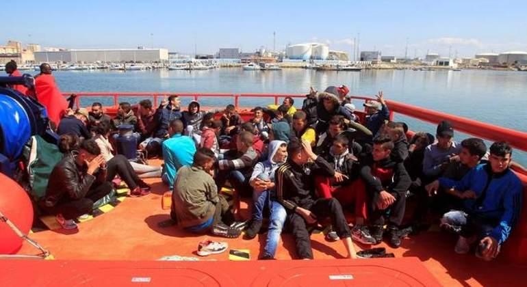 inmigrantes-estrecho-rescatados-efe.jpg