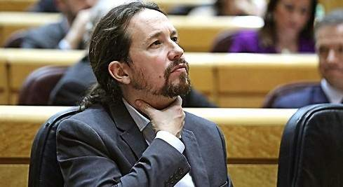 Pablo Iglesias dimite de todos sus cargos