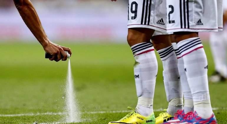 spray-futbol-reuters.jpg