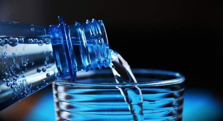 el hombre puede vivir solo de agua