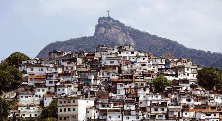 favela-rio-brasil-cristo-corcovado-janeiro-getty.jpg