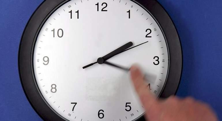 Murcia pide retrasar una hora los relojes, al contrario que Comunidad Valenciana y Baleares