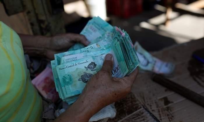 bolivares-muchos-billetes-reuters-770x420.jpg