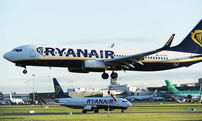 Llevar Un Empieza Como Lunes Por Ryanair Mano A Bultos Dos Este De Extra Cobrar Equipaje wq8xfaxA