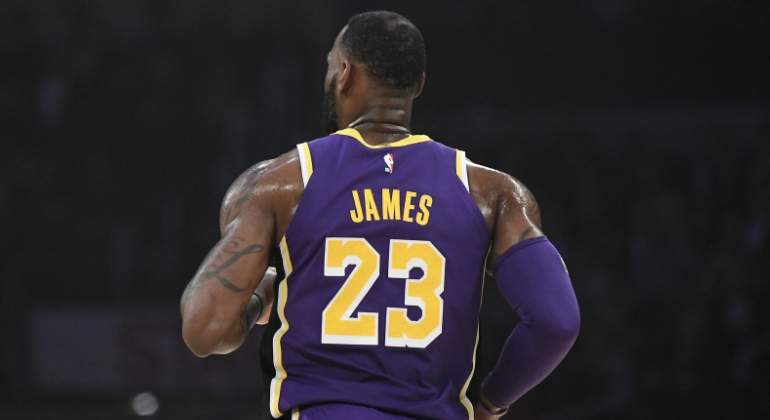 lebron-james-lakers-espalda-getty.jpg