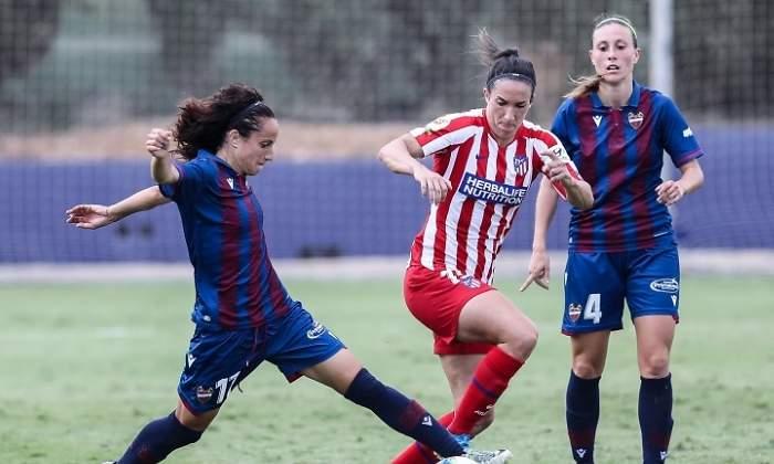 La huelga del fútbol femenino se mantiene